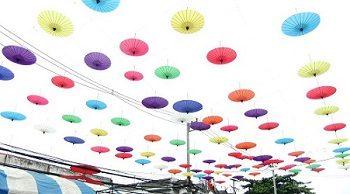 タイ ポーさん 傘祭り