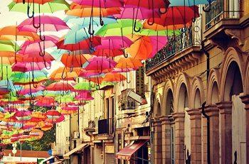 ポルトガル アゲタ 傘祭り