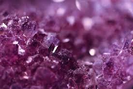 カラーセラピーの色の意味: 紫 -VIOLET・PURPLE- バイオレット、パープル